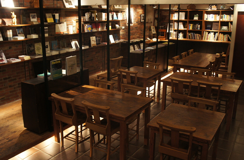 Rainy Day Bookstore & Cafeの外観
